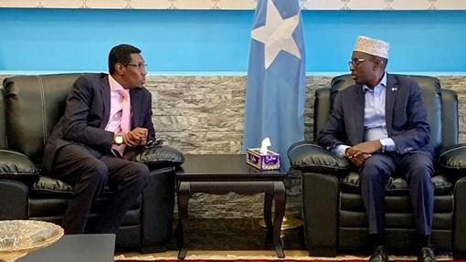 Deg Deg Madaxweynihii Hore Ee Somalia Oo Lagu Soo Dhaweeyay Magaalada Muqdisho+Arimo Xasaasiya Ah Oo Uu Ka Hadlay.