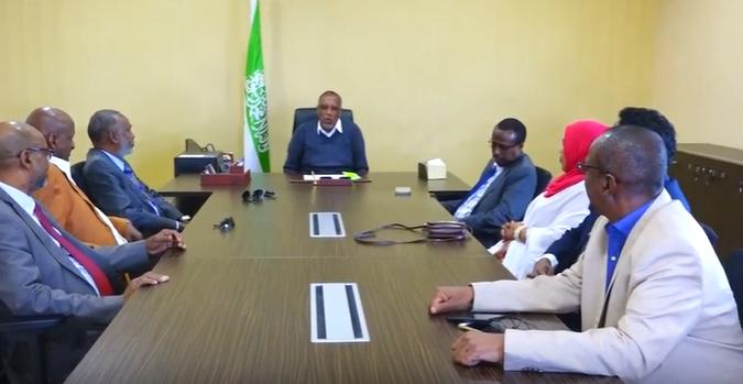 Gudaha:-Madaxweynaha Somaliland oo Kulan sagootin ah u qabtay Xubnihii hore ee Komishanka Qaranka