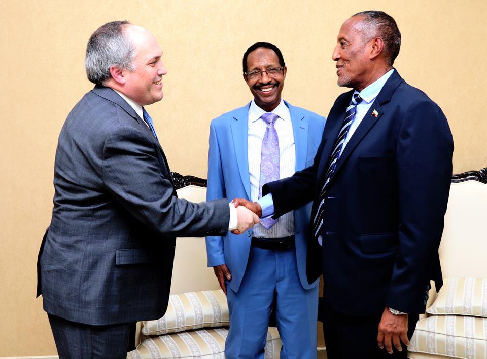 Madaxweynaha Jamhuuriyadda Somaliland oo kulan La Qaatay Aqoonyahan Dunida u Bandhiga Qaddiyadda Somaliland