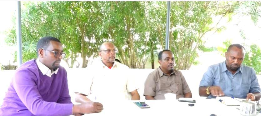 Daawo Badhasaabadii Hore Ee Gobolada Somaliland Oo Suldaan Wabar Ugu Baaqay in Uu Qaato Nabad.