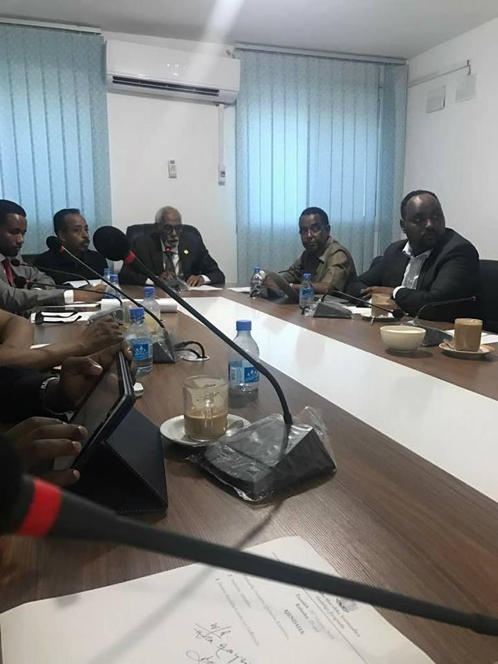 Somalia:-Jawaari oo ku dhawaaqay in Sabtida Baarlamaanka ka doodayo Arinta Xuduuda ee Baladxaawo.