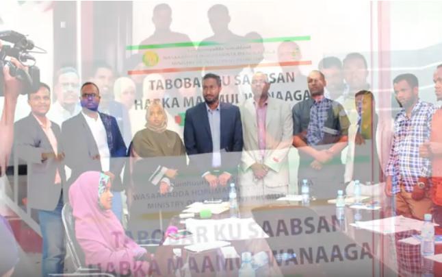 Wasiirka Maal-Gashiga Somaliland Oo Soo Xidhay Tobabar Shaqaalaha Wasaaradiisa U Socday Muddo Labo Casho Ah