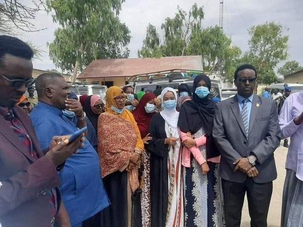Xukuumadda Somaliland Oo Xoriyadoodii Dib Ugu Soo Celisay 35 Hablood Oo Xabsiga Gabiley Ugu Xidhnaa Inay Xidheen Calanka Soomaaliya.