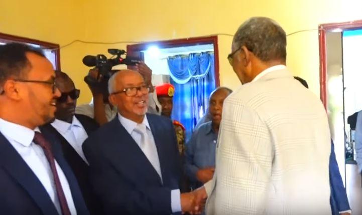 Daawo:-Qaab Noocee Ah Ayaa Uu Madaxweyne Ku Xigeenka Somaliland kormeer kedis ah oo uu saaka Ku Tagay xarumaha Dawladda