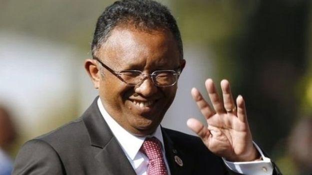 Caalamka:-Maxkmadda Madagascar oo dowladda u qabatay 4 maalmood iney xilka kaga degto