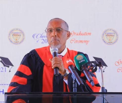 Daawo: Madaxweynaha Somaliland Muxuu u sheegay Ardaydii ka qalinjebisay Jamacadda Hargeysa?