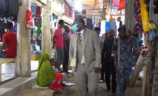 Gudaha:-Wasiirka Warfaafinta S,land Oo Kormeeray suuqa Gobonimo Ee Magaalada Hargeysa.