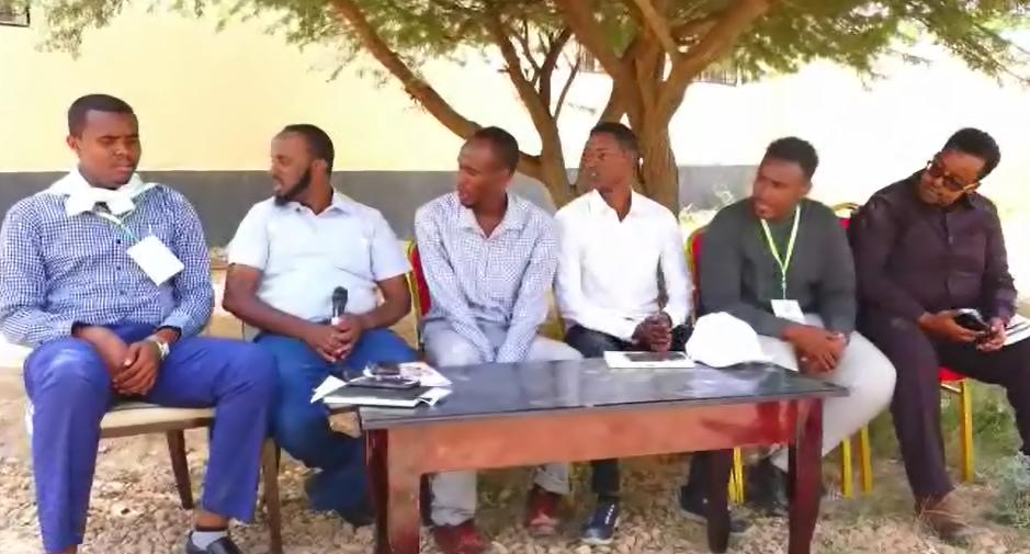 Hargeysa: Daawo Dallada SYNA oo Dhalinyaro ka kala timi gobolada somaliland meel isugu keentay+ Nuxurka Farriinta ay direen