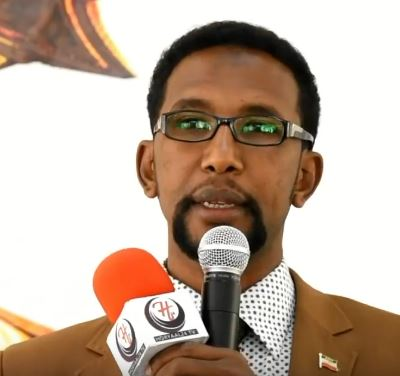 """Hargaysa:-""""Gudoomiyaha Maxkamada Sare Ee Soomaaliya Waxa Uu Ka Cararay Siyaasada Kootada Ugu Xidhan Sadexda Xisbi Ee Somaliland""""....Xoghaye Barkhad J. Batuun"""