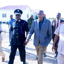 Madaxweynaha Somaliland Oo Tabobar U Furay Dufcaddii Ugu Horraysay Ee Loo Carbinayo Saraakiil Ciidan+Sawiro