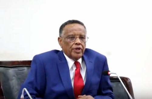 Hargeisa:-Gudoomiyaha Baarlamanka Somaliland Oo Hambalyo U Diray Gudomiyaha Shirkada Telesom.