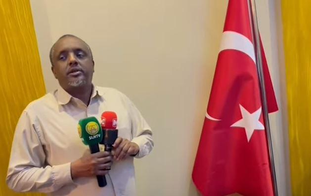 Daawo: Jaalliyadda Somaliland Dalka Turkey Ayaa Tacsi U Dirtay Marxuum Suldan Cumar Suldan Maxamed Suldaan Faarax