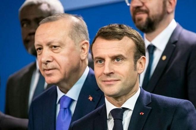 Erdogan '' Waan in la baaraa caafimaadka Maskaxda madaxweynaha Faransiiska