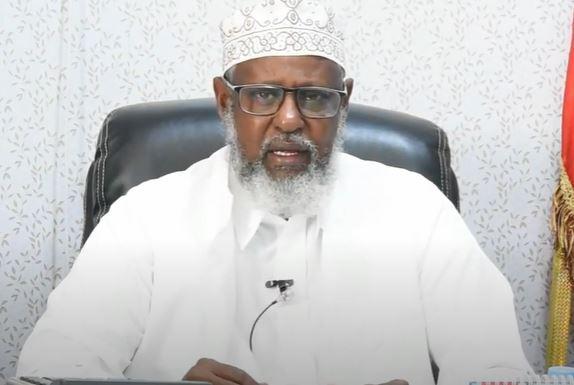 """Gudaha:-""""Marhadi aad xildhibaan noqotay misaajidka faraha ka qaad Siciid Sokeyow"""" Wasiir diinta iyo awqafta."""