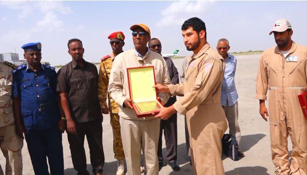 Gudaha:-Madaxweynaha Somaliland Oo Shahaado Sharaf Gudoonsiiyay Xubnihii Imaarkaad Ee Gurmadaka Ka Qayb Galey.
