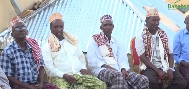 Badhan: Daawo Nuxurka Kulan ay isugu yimaadeen Salaadiinta iyo Cuqaasha Burco Xilli uu Halkaas ku suganyahay Wasiirka Caddaalada Somaliland