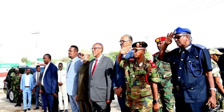 Madaxweynaha Somaliland Oo Kormeer Iyo Wacyigelin  Ugu Tegay Ciidamada Iyo Saraakiisha Ku Sugan Xarunta Birjeex Iyo Taliska Guud Ee Ciidanka Qaranka