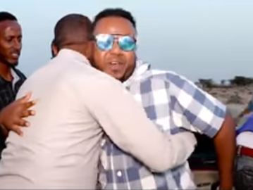 Burco: Daawo Muusigiistaha caanka ah ee Maxmed Bulshaawi oo si layaableh loogu soo dhoweeyey Burco
