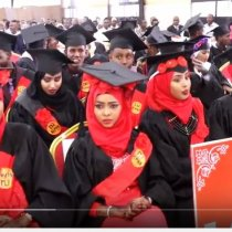 Hargeisa:-Wasiiro Ka Tirsan Xukuumada Somaliland Iyo Masuuliyinta Xisbiyada Qaranka Oo Magaalada BURCO Kaga Qayb Galay Qalin Jenbiyey Jaamacada ALLPHA Universty