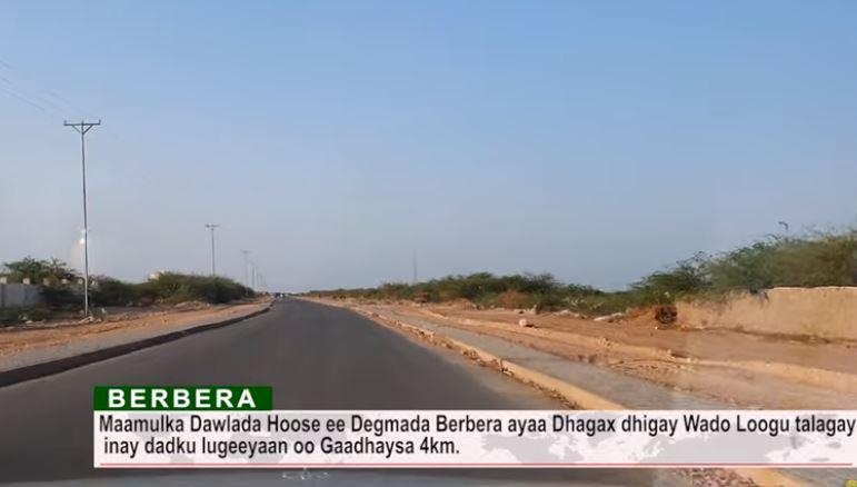 Daawo: Degmada Hoose ee Berbera Ayaa Dhagax Dhigay Wado Logu talagay Inay Dadku Lugeyan Oo Gaadhaysa 4km.
