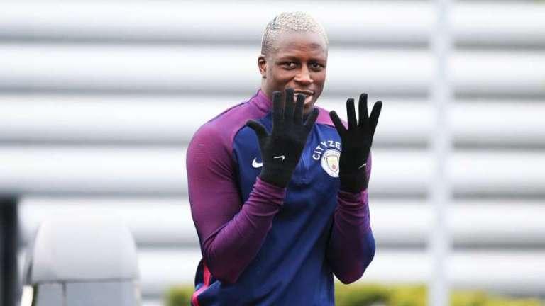 Maxaa Kala Qabsaday Taageere Manchester City Ah Iyo Benjamin Mendy Kaddib Markii Uu Xiddgga U Duceeyey Sir Alex Ferguson