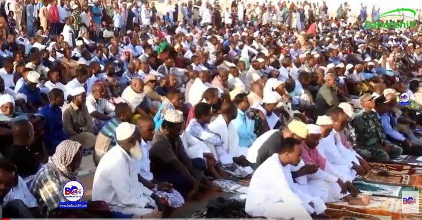 Gudaha:-Sida Magaalada Berbera Looga Tukday Salaada Ciida Iyo Masuuliyiin Ka Qayb Galay.