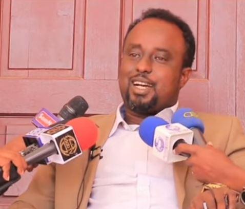 """Daawo """"Dastuurka Somaliland Ma Ogala Kooto Qoladaa Caymiskana Waxaan Leeyahay''Xildhibaan Guruuje"""