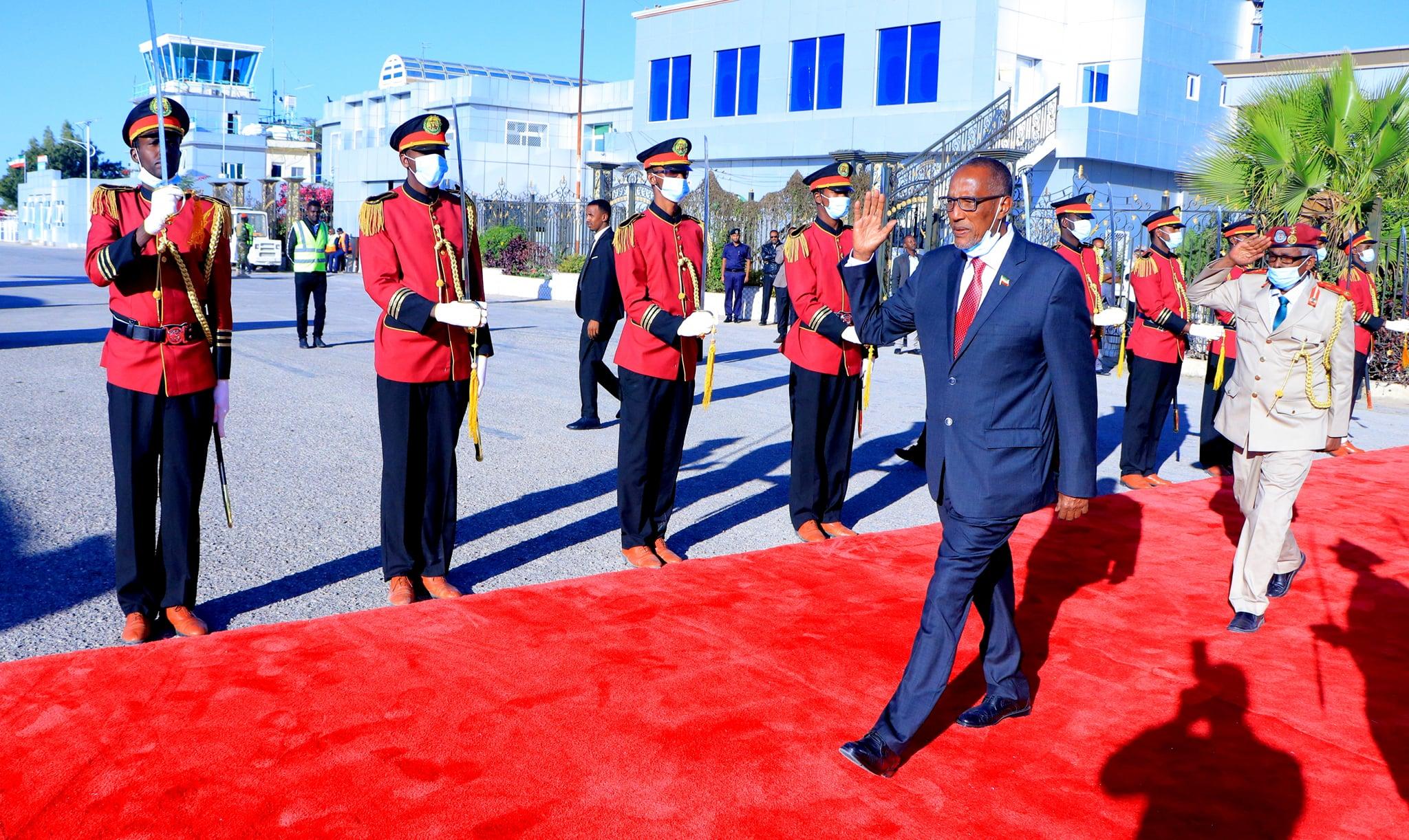 Madaxweynaha Somaliland Iyo Wefti Uu Hoggaaminayo Oo Safar Shaqo Ugu Ambo Baxay Dalka Jabuuti
