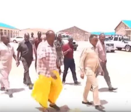 Guddoomiyaha Golaha Wakiiladda Iyo Wasiirka Waxbarashada Somaliland Oo Khudbad Cajiib Ah Ka Jeediyay Gudaha Magaalada Laascanood.
