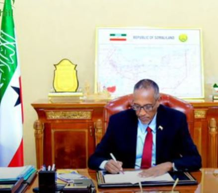 DegDeg: Madaxweynaha Somaliland oo imminka xilal cusub magacabay masuliyin kalena xilalkii ka qaaday