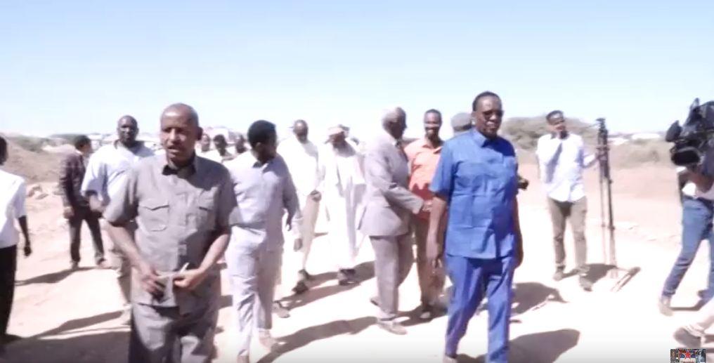 Borame:-Maareyaha Hay'ada Wadooyinka Somaliland Oo So Kormeeray Biriish Cusub Oo Dhismihiisu Ka Socdo Magalada Boorama.