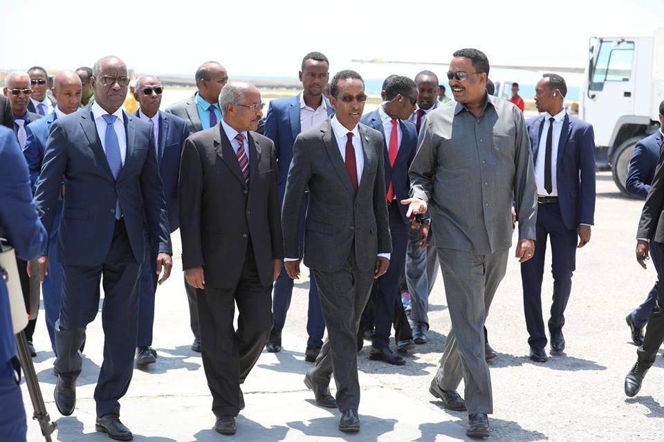 Daawo:-Ujeedka Wasiirrada Arimaha Dibada Dalalka Itoobiya Iyo Eritrea Oo Soo Gaadhay Muqdisho.