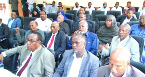 Muqdisho:-Golaha Aqalka Sare Ee Somalia Oo Maanta Mudeynaya Xiliga Ay La Kulmayaan Raysal Wasaraha Somalia.
