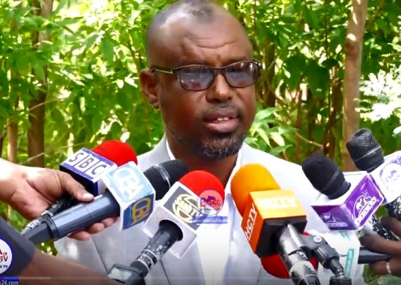 Gudaha:-Abwaan yuusuf Shaacir Oo Xukuumada Somaliland Ku Eedeeyay Dhaqamo Xun Uu Sheegay Inay Soo Badanayaan.