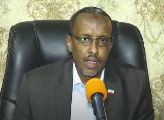 """Gudaha:-""""Wasiirka Puntland haddii uu furo daqaadda xafiiskiisa Garoowe, wuxuu arkayaa ciidamadeenna oo dul jooga""""Somaliland oo ujawaabtay Putland."""