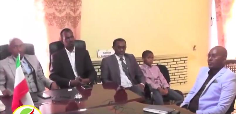 Awdal:-Wasiirka hawlaha guud Somaliland Oo Kulan La Qaatay Maamulka Gobolka Awdal Iyo Arimaha Ay Ka Wada Hadleen.
