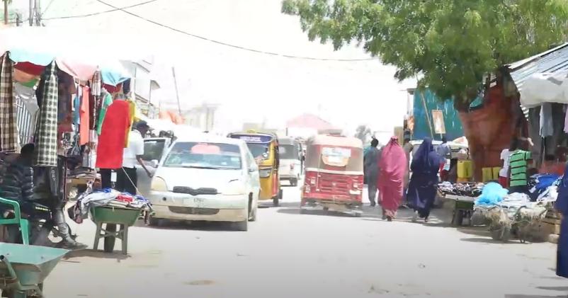 Gudaha:-Shacabka magaalada burco soo dhaweeyay go.aamadii ka soo baxay shirkii s.land iyo somalia