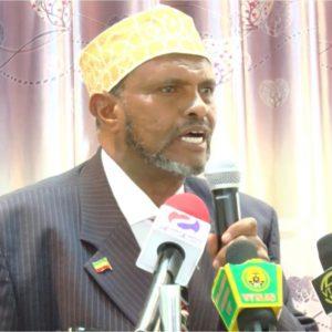 Hargeisa:-Axmed Yuusuf Yaasiin Oo Madaxweyne Biixi Ugu Baaqay Inuu Soo Celiye Saaxiibadii Somaliland Lahayd.