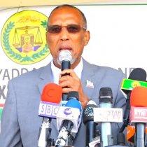 Gudaha:-Imtixaanka Shahaadiga Ah Oo Saaka Ka Bilaabmay Somaliland Iyo Madaxwayne Muuse Oo Ardayda Uqaybinaya Imtixaanka.