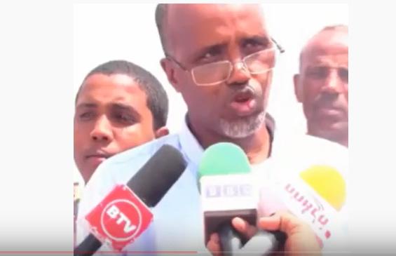 Gudaha:-Qoraa Maxamed Baashe Mar Kale Midnimo Soomaaliyeed U Ololaynaya.