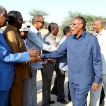 Madaxweynaha Somaliland Oo Mashaariic Cusub Oo Gudaha Berbera Laga Hirgeliyey Kormeeray, Qaar Kalena Dhagax-dhigay.