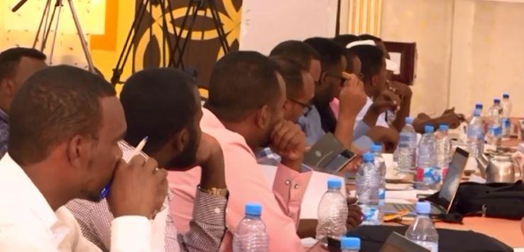 Borama: Daawo Maayirada 8-Dagmo Ee Mashruuca GPLG Iyo Haayadaha Tageera JSL Ayaa Kala Sexeex day Heshiis