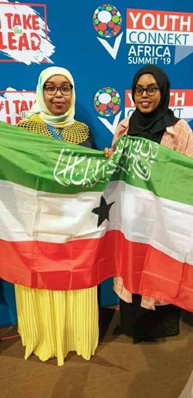 Gabadh Fagaare Caalami ah si Dhiiran ugu Boorisay Madaxweynaha Rwanda inuu Aqoonsado Somaliland