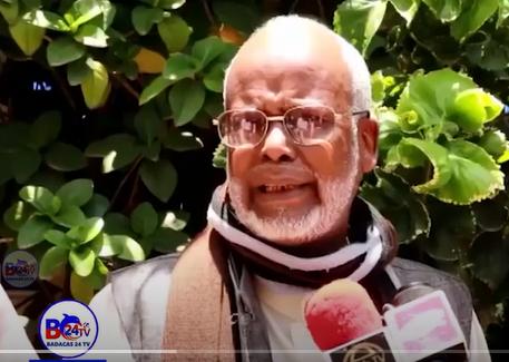 ''Xildhiibanadu JeebKoda ayi Ka Hadleen.Doroshoyinkana Ma Ogaliin'''Xildhibaanada Beriga Somaliland