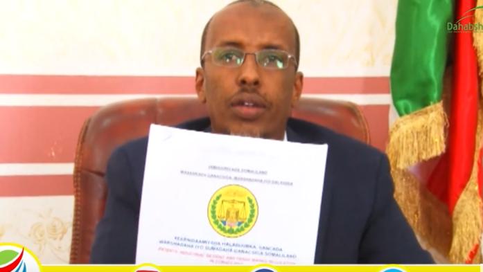 Gudaha:-Wasaarada Ganacsiga Somaliland Oo Xabsiga U Taxaabtay Shaqaale Ajaaniba+Sababta Xabsiga Loogu Taxabay.