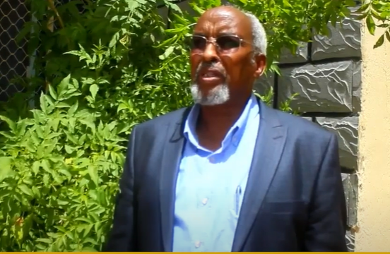 Siyaasi Cabdilahi Xasan ganafka ku dhuftay wada hadalada Somaliland iyo Somaaliya