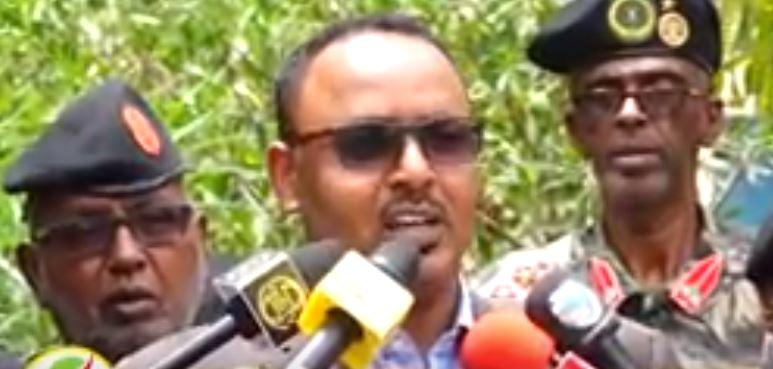 Deg Deg:- Wasiirka Gashaandhiga Somaliland Oo Hada Faaf-hafan Ka Bixiyay Dagaalka Ka Dhacay Tukaraq Iyo Khasaraha Ka Dhashay