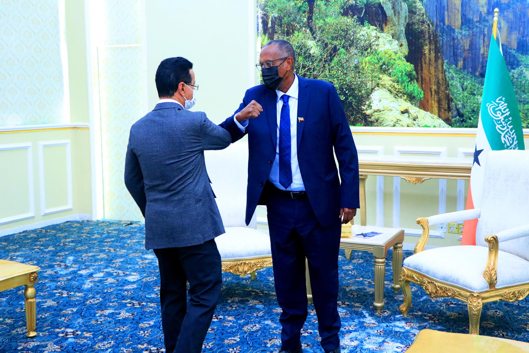 Madaxweynaha Somaliland Oo Qaabiley Gudoomiyaha Shirkada DP World ahna Maareeyaha Guud.