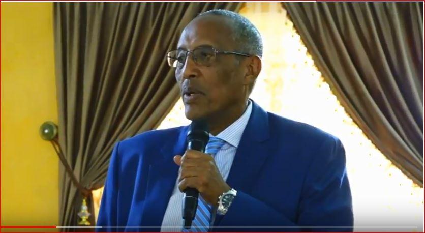 Hargeisa:-Madaxweynaha Somaliland Oo Qasriga Madaxtooyada ku Qaabiley Arday Dhamaysatay Xafiday Quraanka Kariimka Ah.