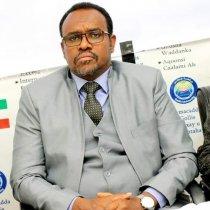Wasiir Koore Si Adag Uga Jawaabay Dhaliilo Mulkilayaasha Telefiishanadu U Jeddiyeen Guddida Coronavirus Ee Somaliland.